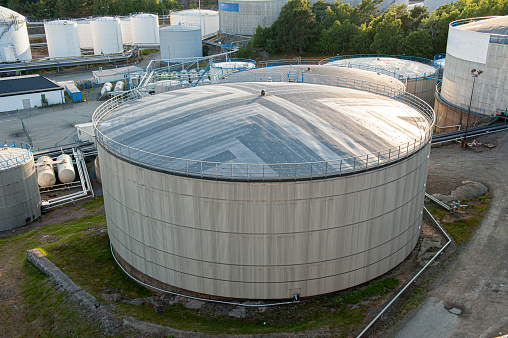 A big oil tank seen from above.