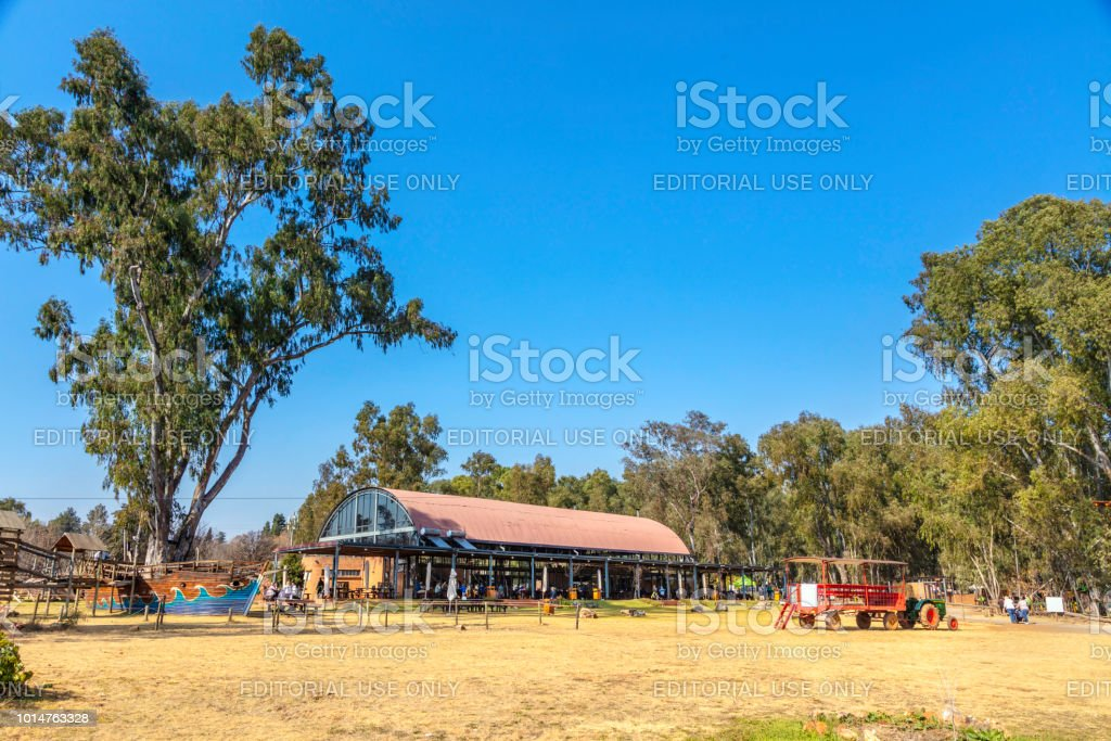 Big Red Barn Restaurant And Irene Market Stock Photo