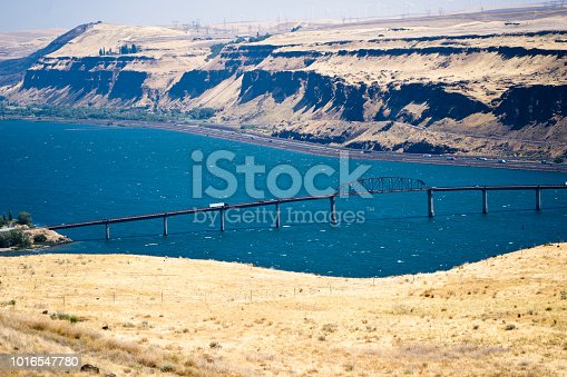 Sectional lifting transportation Sam Hill Memorial Bridge across Columbia River is an important transport logistic artery of Northwest of America for transporting commercial cargo on long distance