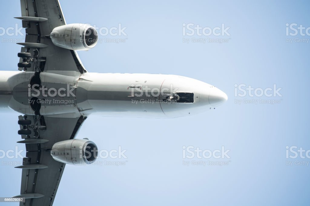 big silver passenger plane. foto stock royalty-free