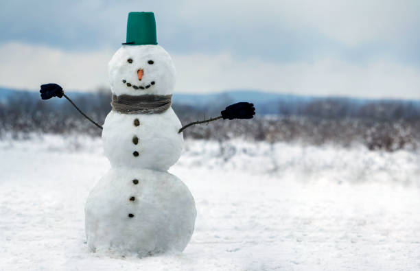 Big smiling snowman with bucket hat scarf and gloves on white snowy picture id1072071284?b=1&k=6&m=1072071284&s=612x612&w=0&h=mw7rwdlodbb fxfkadsuykmmay9jg9buy5wxdqob5f0=