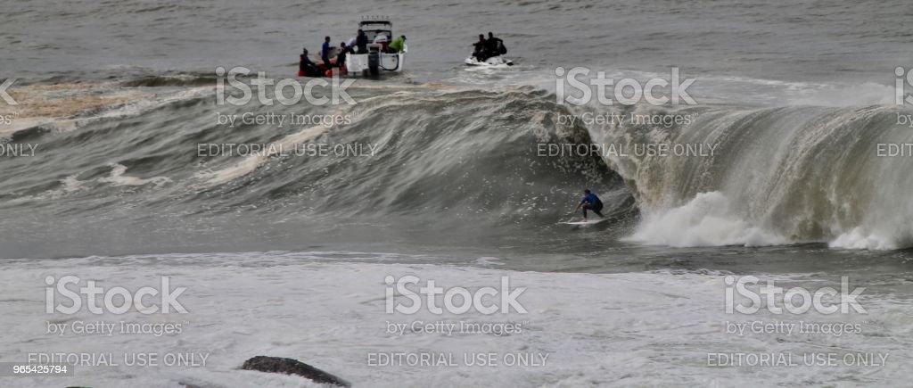 Big-Wave rider - Lizenzfrei Aufregung Stock-Foto