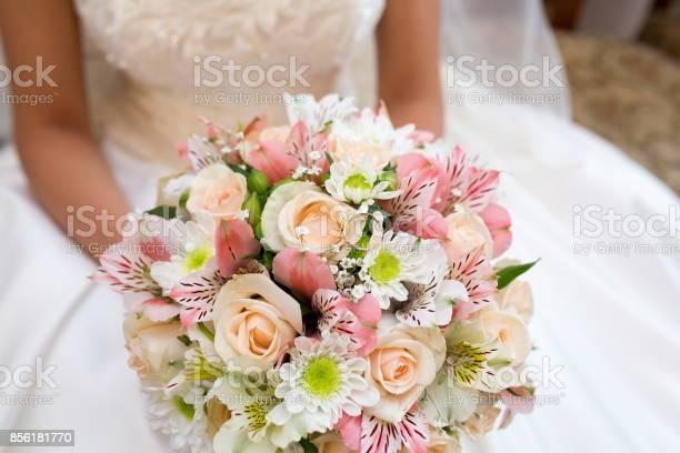 Big wedding bouquet picture id856181770?b=1&k=6&m=856181770&s=612x612&h=vy6xnx6qwhbb6g2ozxnslystzygyix3ejfyt8txlgiy=
