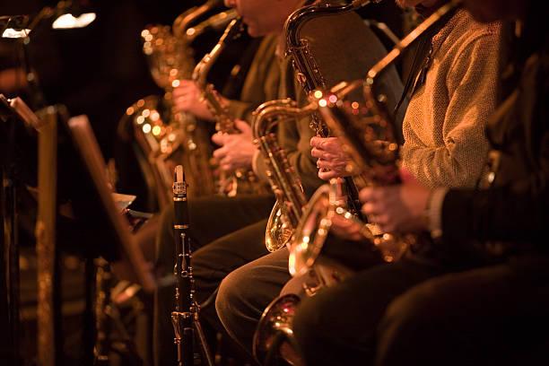 bigband: Saxophon Abschnitt eine jazz-band Konzert – Foto