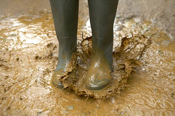 größere splash - schuhe auf englisch stock-fotos und bilder