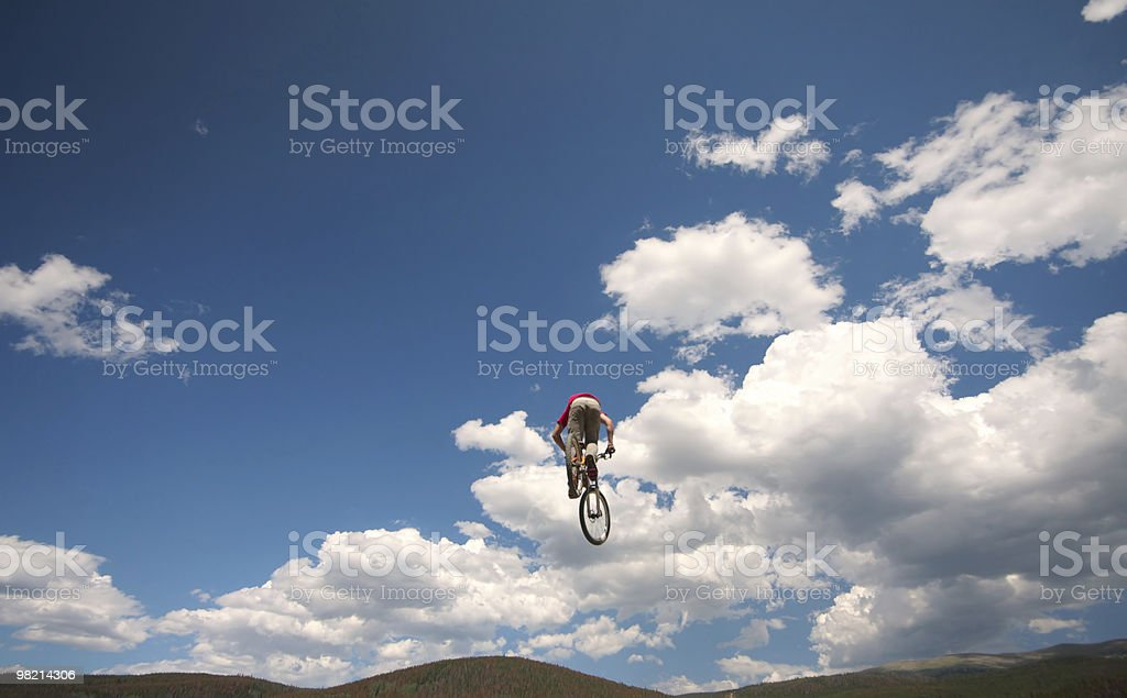 Bicicletta in volo foto stock royalty-free