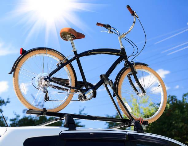 fahrradtransport - fahrradträger stock-fotos und bilder
