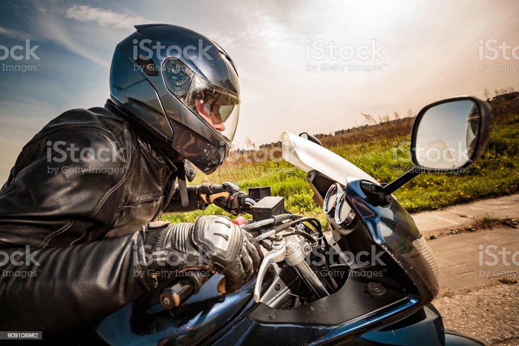Biker-Rennen auf der Straße – Foto
