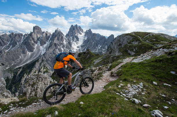 biketour with emotion on the trail - mountain biking stock pictures, royalty-free photos & images