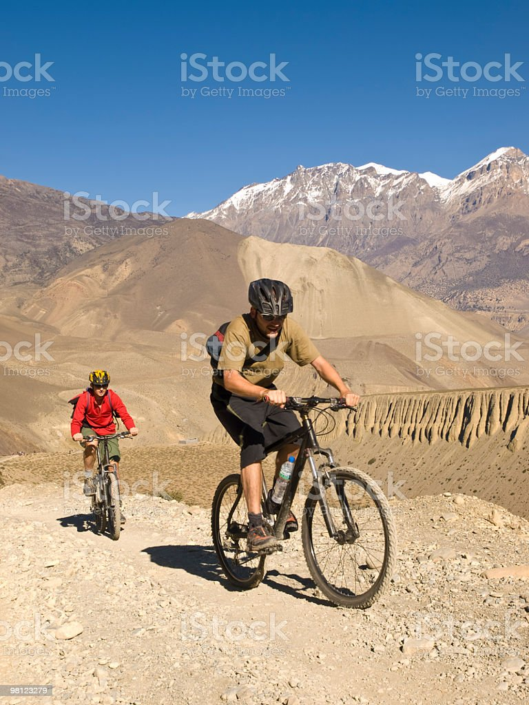 Bicicletta le montagne foto stock royalty-free