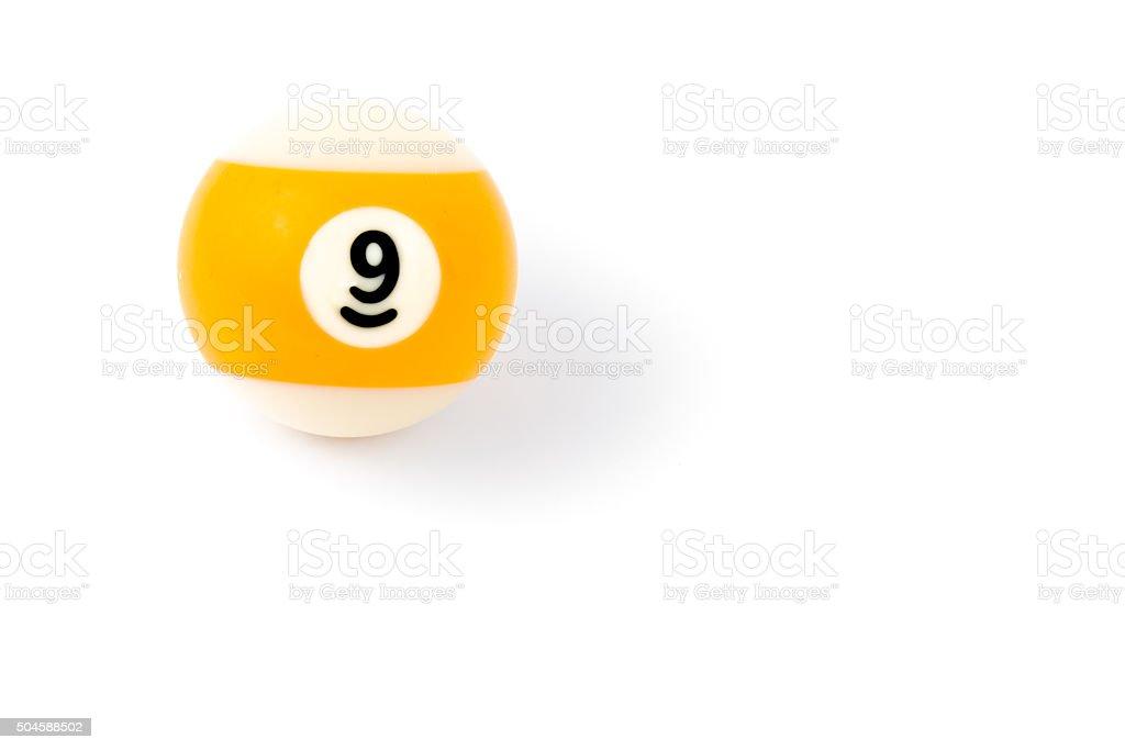 Bola de billar nueve aislado sobre un fondo blanco - foto de stock