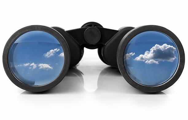 Jumelles qui reflète le ciel - Photo