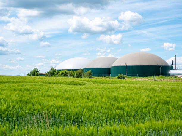 biogasproductie, biogasinstallatie, bio power - industriële apparatuur stockfoto's en -beelden