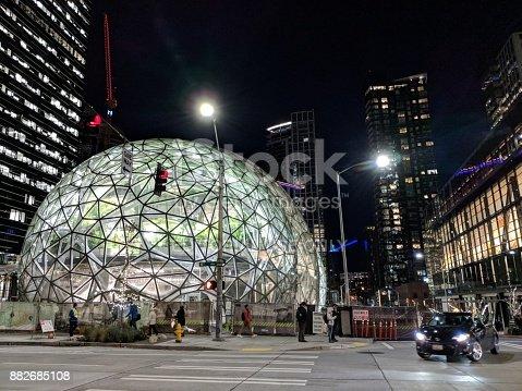 496586115 istock photo Biospheres Dome at Amazon.com Headquarters 882685108