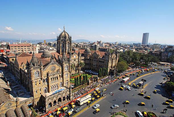 bird's eyeview of chatrapati shivaji terminus, mumbai - mumbai stockfoto's en -beelden