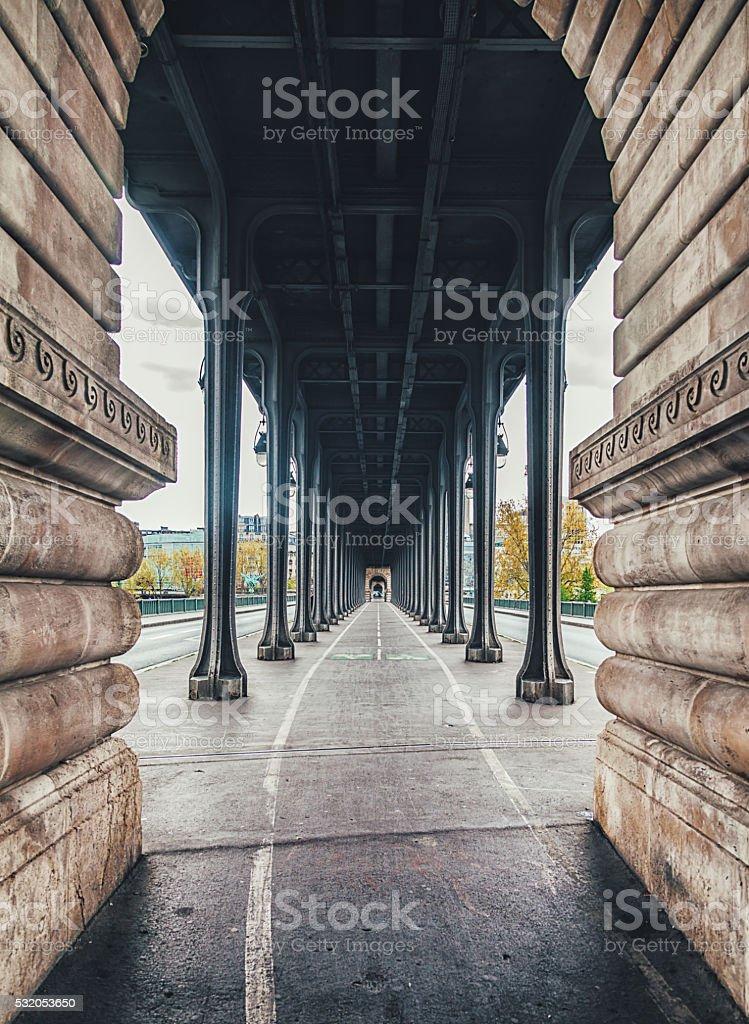 Bir-Hakeim pont de Paris, France - Photo