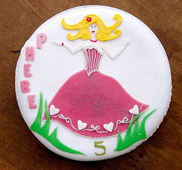 birhtday kuchen - prinzessinnen torte stock-fotos und bilder