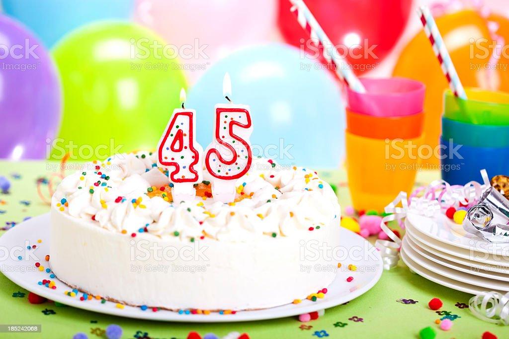 Torta Di Compleanno Fotografie Stock E Altre Immagini Di