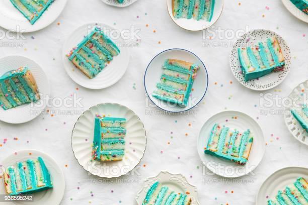 Geburtstag Kuchen Scheiben Von Oben Stockfoto und mehr Bilder von Ansicht von oben