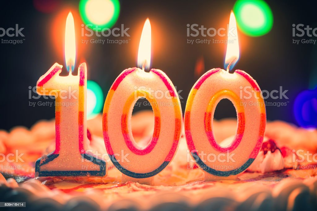 Birthday Cake With Candles foto stock royalty-free