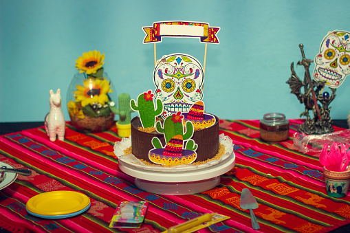 Birthday cake with mexican themes and decoration.