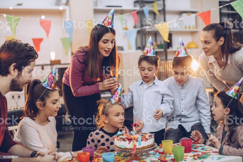 Doğum günü kutlama eğlenceli stok fotoğrafı