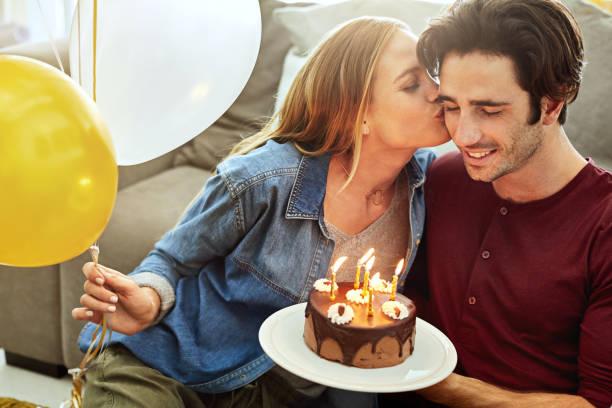 Geburtstag-Küsse für das Geburtstagskind – Foto