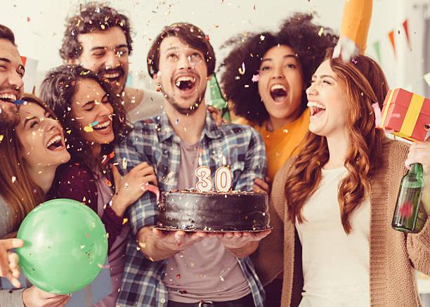 urodziny strona w biurze - 30 te urodziny zdjęcia i obrazy z banku zdjęć