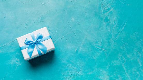 birthday surprise festive invitation present box