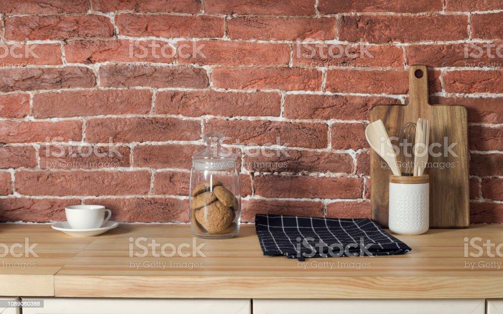 Keks Jar Und Kaffeetasse Auf Kuchentisch Stockfoto Und Mehr Bilder Von Arbeitsplatte Istock