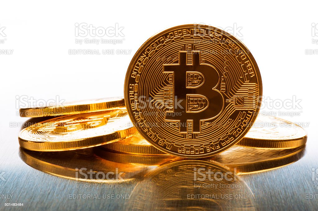 Bitcoin no branco - fotografia de stock