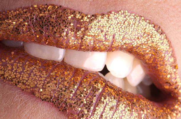 Saboreie o lip gold - foto de acervo