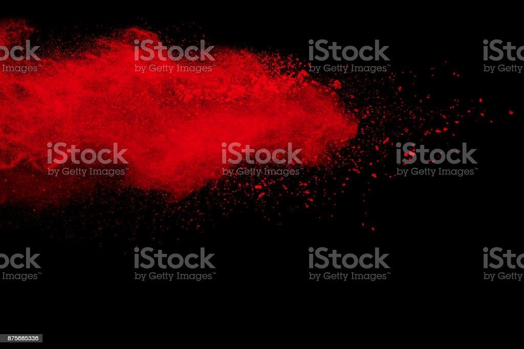 Extrañas formas de explosión pintada de rojo en polvo - foto de stock