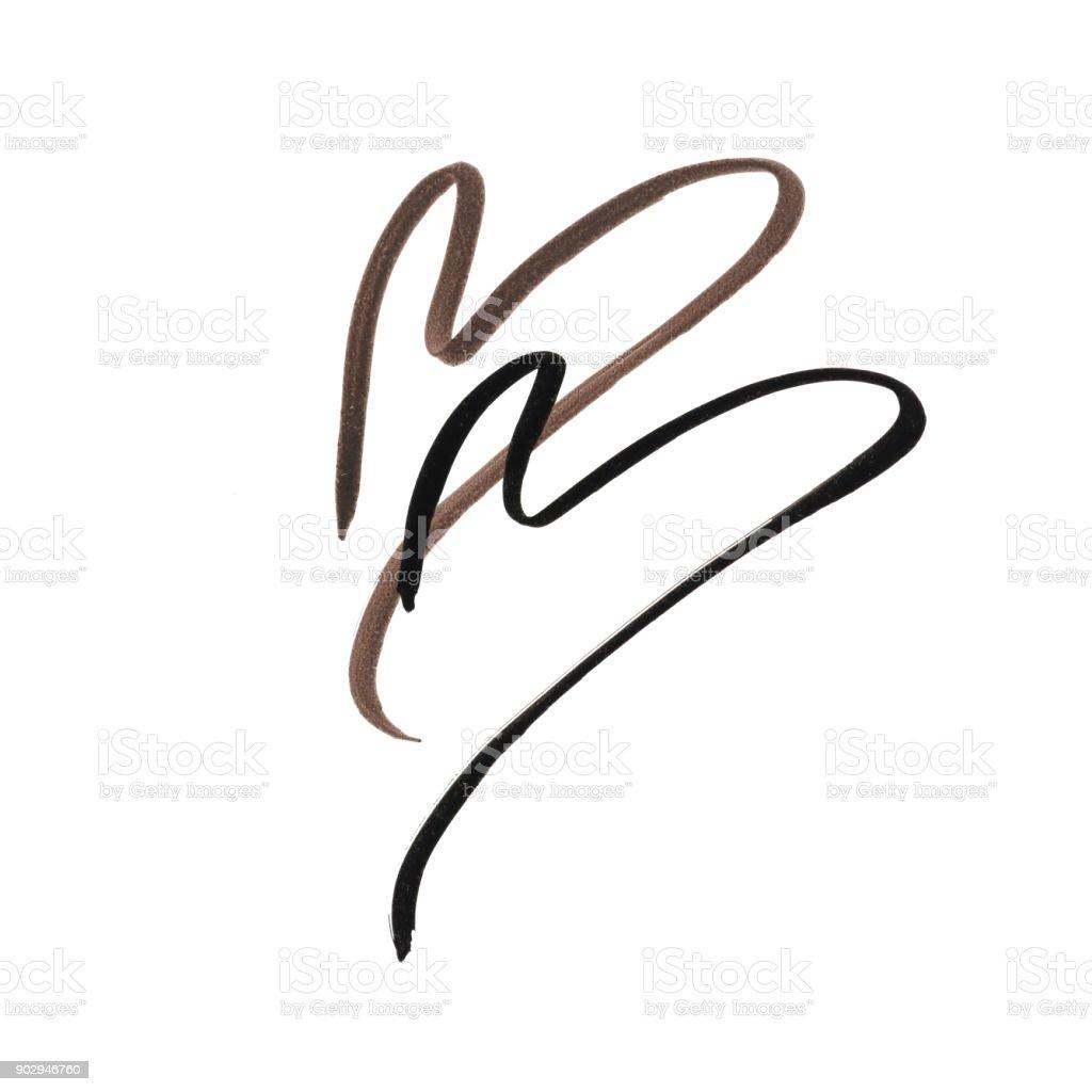 Schwarze und braune Farbe Eye Liner Strich in Herzform auf weißem Hintergrund – Foto