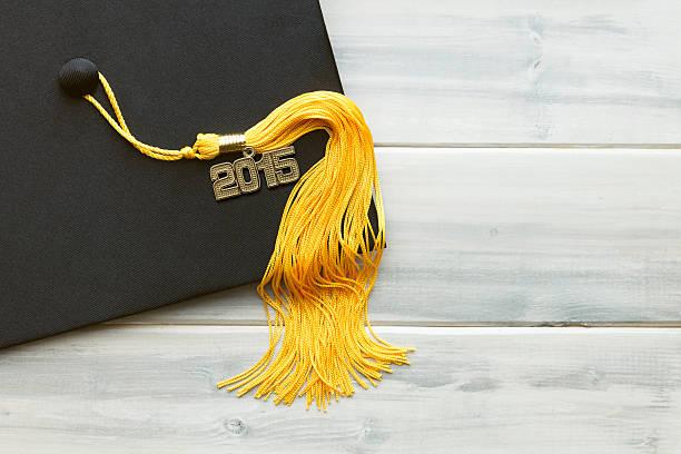 noir et or 2015 de remise des diplômes - 2015 photos et images de collection