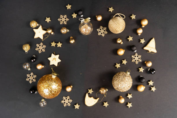 Black and golden christmas picture id1286846471?b=1&k=6&m=1286846471&s=612x612&w=0&h=phjul1dynpi8kmz1ye09ypfd t7nou2bsx4ra61xcyc=