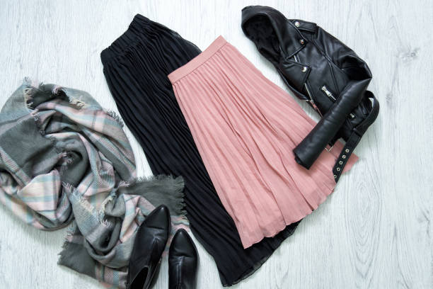 black and pink skirt, jacket, scarf and boots. fashionable concept - spódnica zdjęcia i obrazy z banku zdjęć