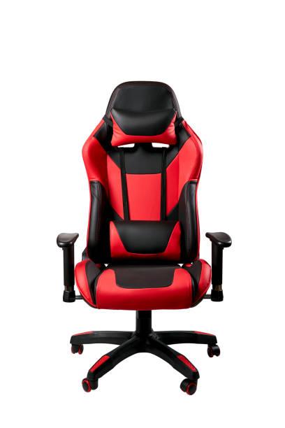 czarne i czerwone wygodne krzesło do gier. izolowane na białym tle. meble dla graczy komputerowych - krzesło zdjęcia i obrazy z banku zdjęć