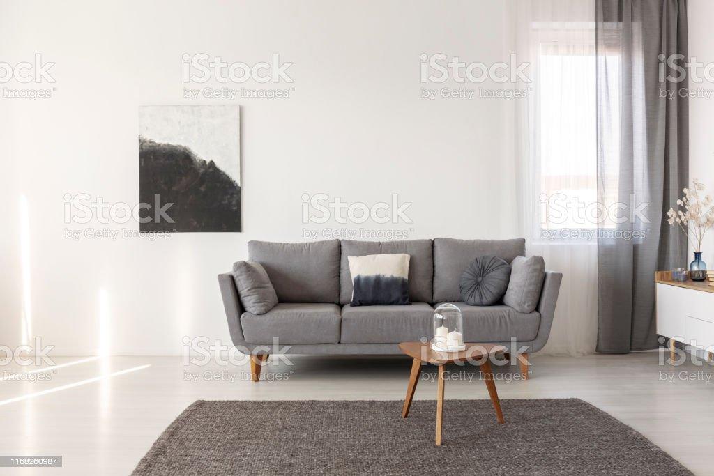 Schwarz Und Weiß Abstrakte Malerei Auf Leere Wand Von ...