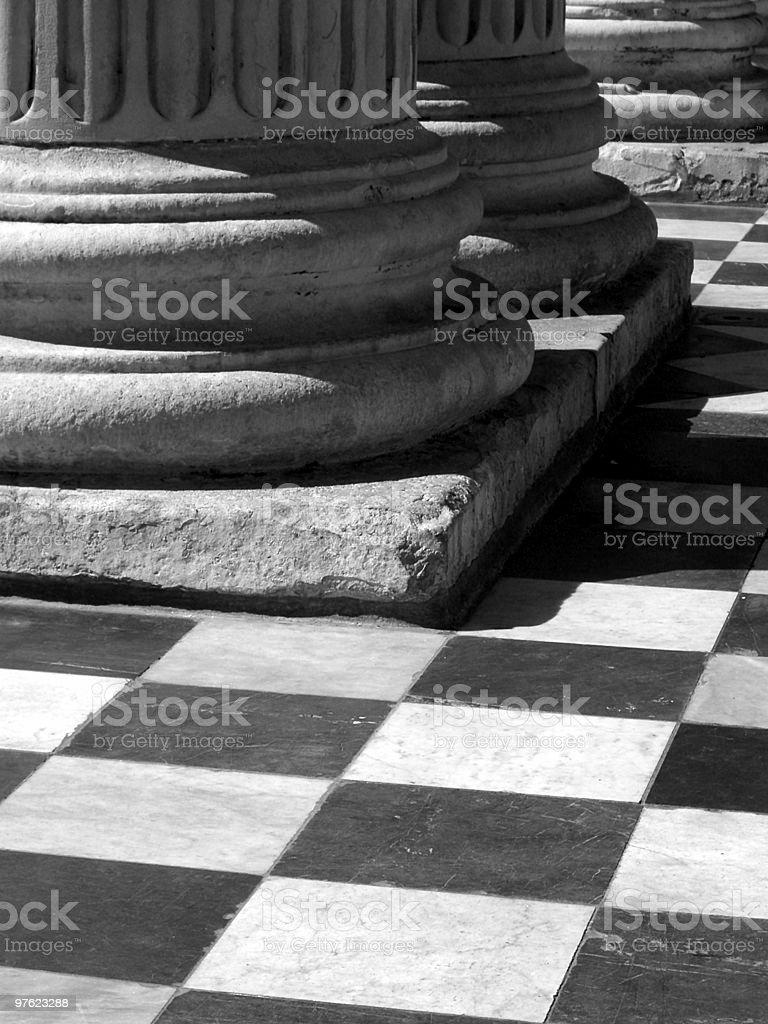 Noir et de colonnes blanches photo libre de droits