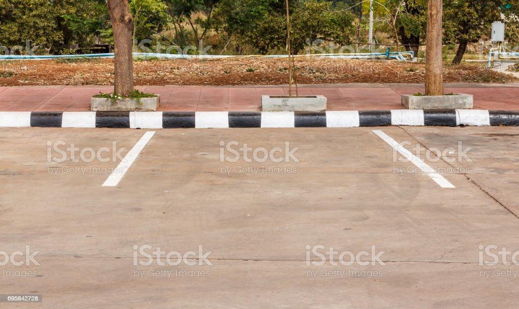 Estacionamento de preto e branco - foto de acervo