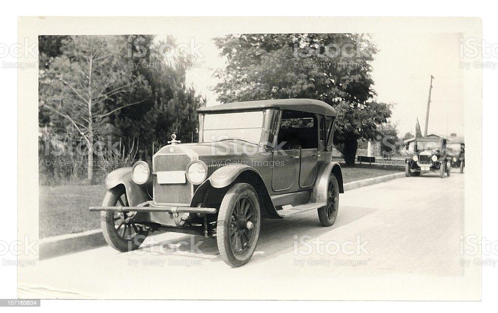 Schwarze und weiße Foto von einer alten Auto – Foto