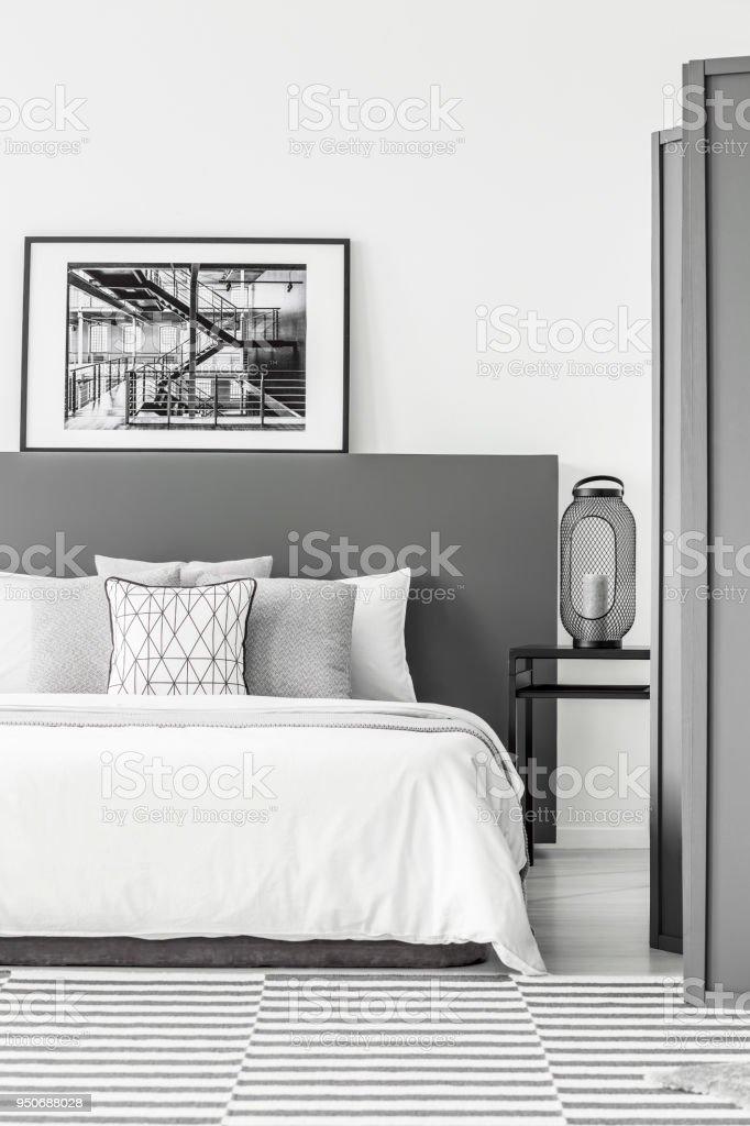 Schwarz Weiss Einfache Schlafzimmer Stockfoto Und Mehr Bilder Von Beige Istock