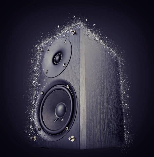 black audio speaker shattered - altoparlante hardware audio foto e immagini stock