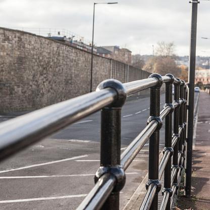 셰필드 영국도로 측면에 검은 장벽 했다 0명에 대한 스톡 사진 및 기타 이미지