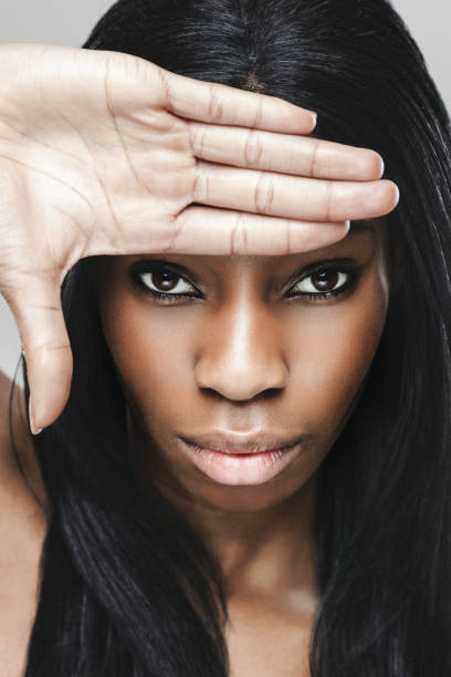 belle femme noire avec la peau parfaite - black beauty photos et images de collection