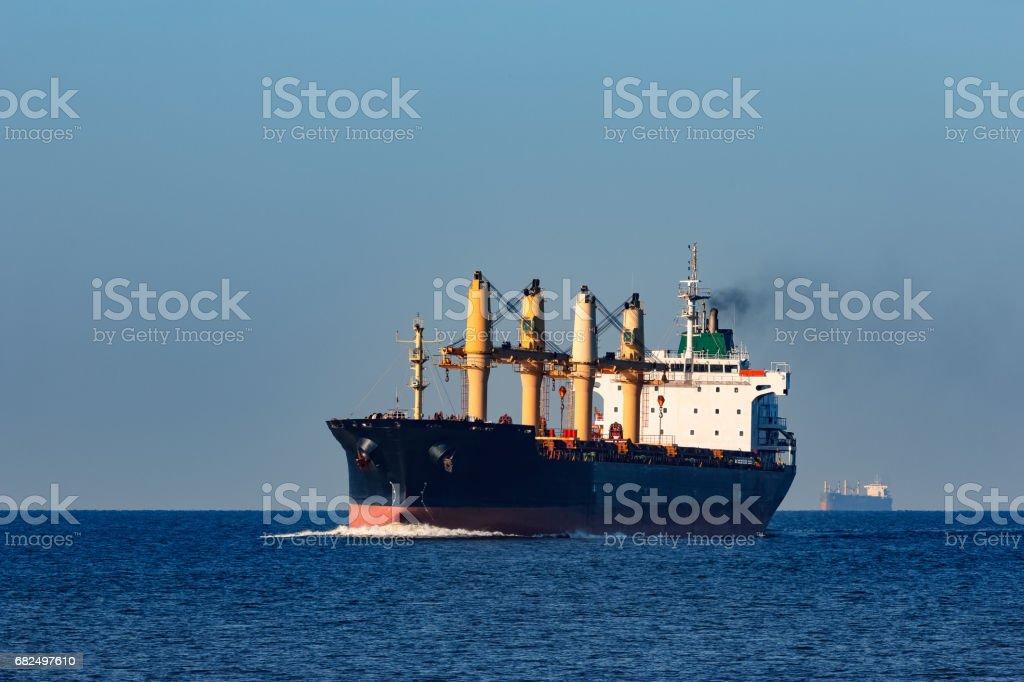 Black bulk carrier Стоковые фото Стоковая фотография