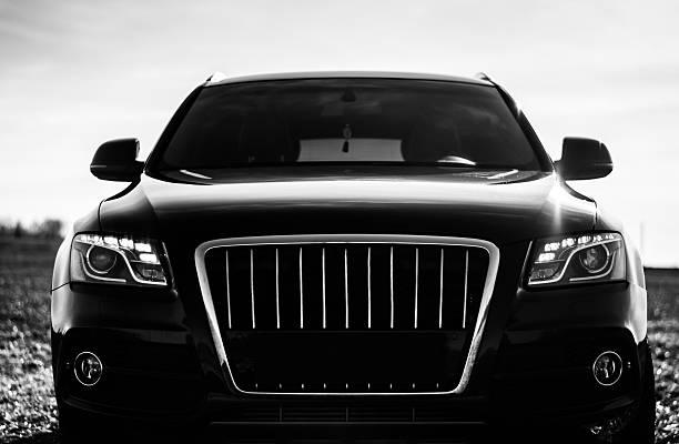 Cтоковое фото Черный автомобиль Audi Q5 S-Line