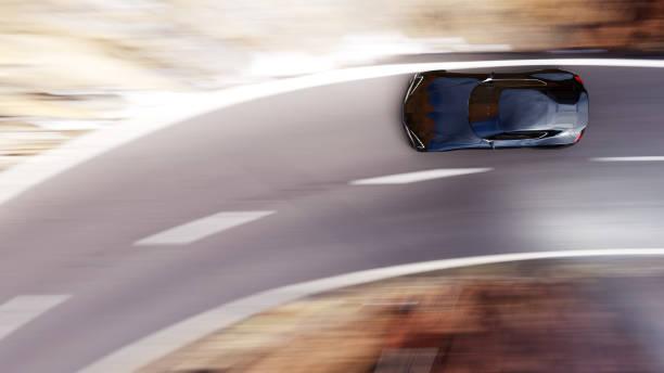 Schwarzes Auto fahren auf einer Bergstraße – Foto
