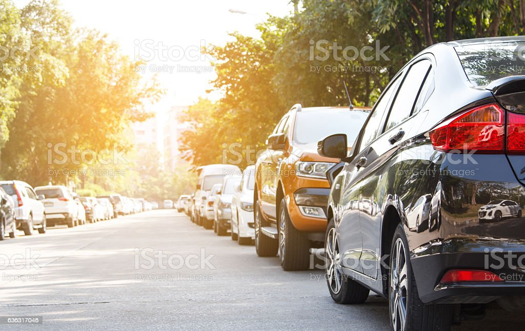 Black car parking in line outdoor – Foto